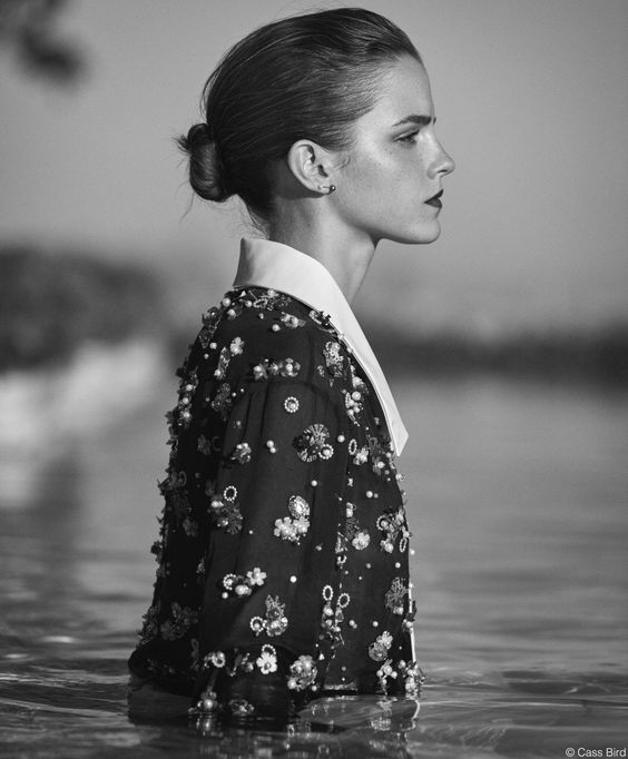 Black and White Fashion World