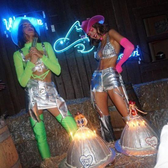 15 Amazing Tiktok Halloween Costumes Society19 Cowgirl Halloween Costume Cowboy Halloween Costume Halloween Outfits