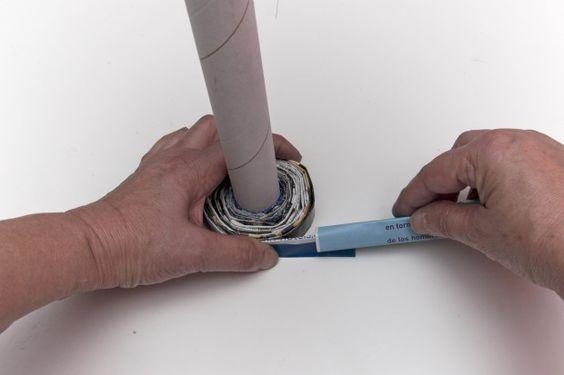 Reciclar tubos de cartón: cómo hacer un pié de lámpara