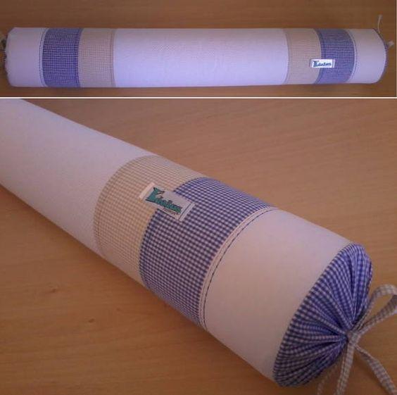 Rolo para berço confeccionado em tecido 100% algodão, enchimento em espuma tubo de 10cm de diâmetro forrada em tnt.  Capa removível que facilita a lavagem da peça.  *As cores podem ser escolhidas e o modelo personalizado. Consulte disponibilidade. **Valor unitário. R$ 35,90