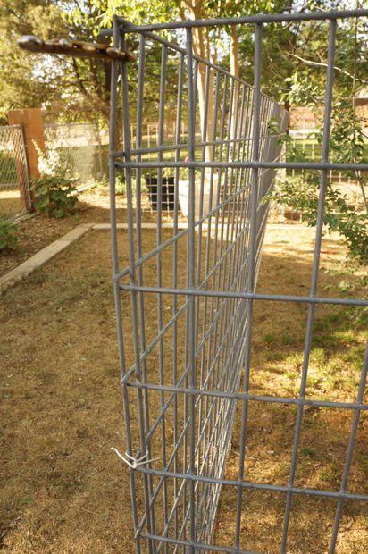 how to build slanted deer fence