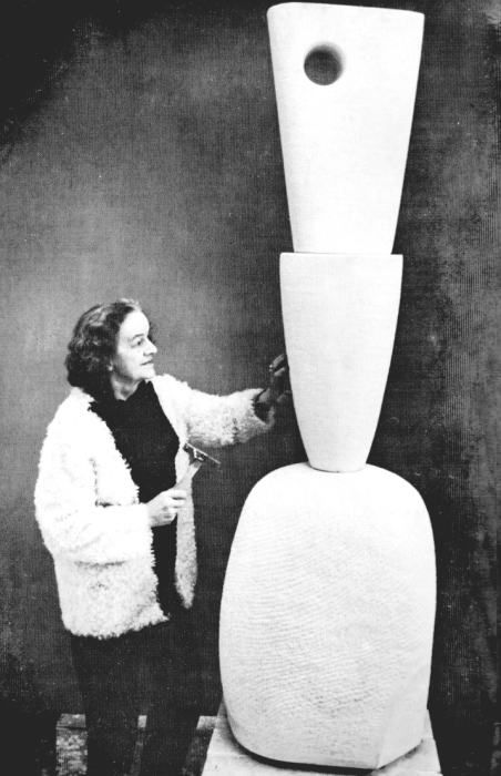 Barbara Hepworth with one of her sculptures. See also http://www.tcs.cam.ac.uk/the_bridge/features/a-special-bond-barbara-hepworth-and-churchill-college/