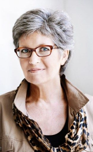 300 Classy Short Hairstyles For Grey Hair Gallery 2019 To Suit Any Taste Womens Hairstyles Hair Styles Grey Hair And Glasses