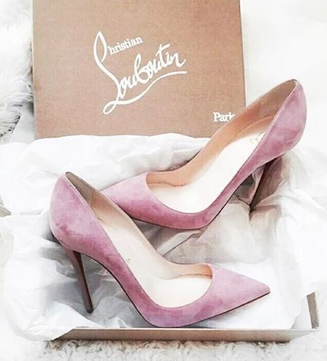 #christianlouboutin suede 'so kate' pumps-i would keep them on a shelf just to look at them