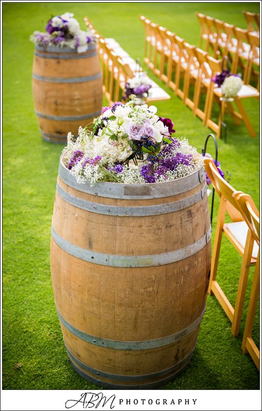 vineyard wedding decoration ideas wine barrels wine theme wedding aisle wedding decor 8271