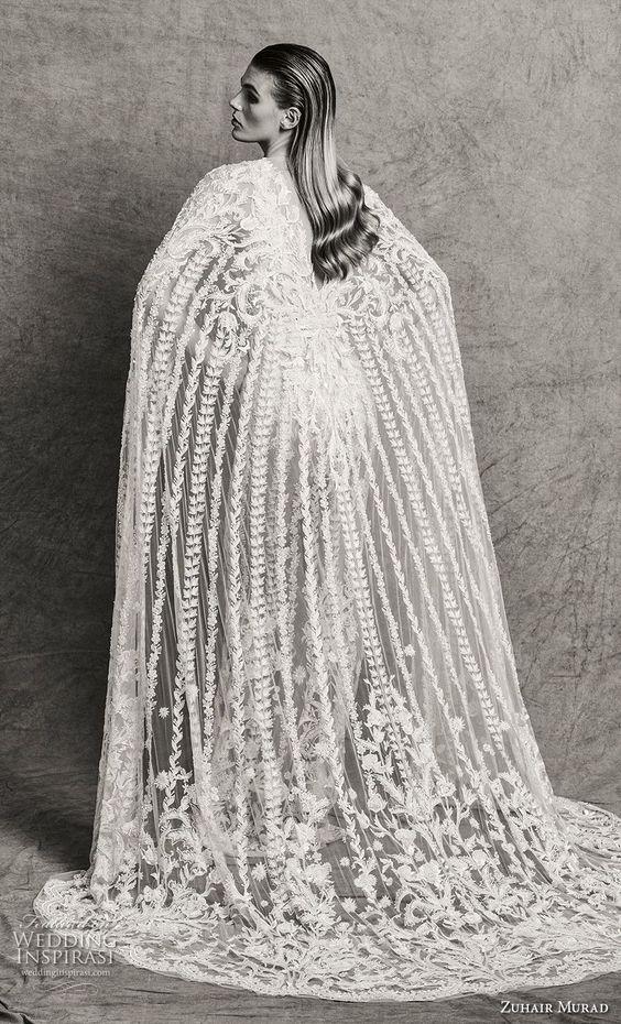zuhair Murad Herbst 2018 Braut sleeveless Illusion Bateau tiefen V Hals voller Verschönerung glamouröse elegante Passform und Bördeln Hülle Brautkleid mit Kap Sweep Zug (4) bv