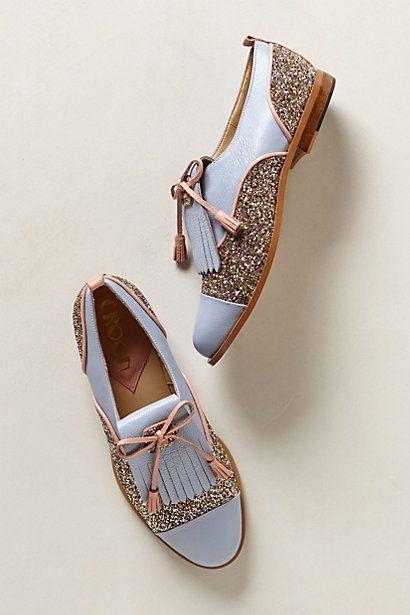 Chaussures bleu pastel et paillettes. Et tassel (fringe) tendance. Original shoes. Anthropologie