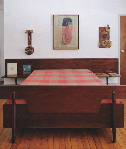 Carlos Raúl Villanueva's bed. Photo: Antoine Baralhé, Architectural Digest (German), February 2010.