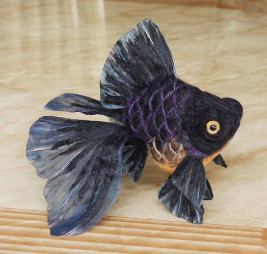 I am SO in love with these needle felted goldfish <3: