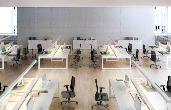 V30 by Forma 5 | Conference / Meeting | Desks / Workstations