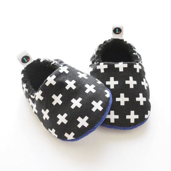 Hey, I found this really awesome Etsy listing at https://www.etsy.com/listing/241683042/bw-swiss-crosses-baby-shoes-baby