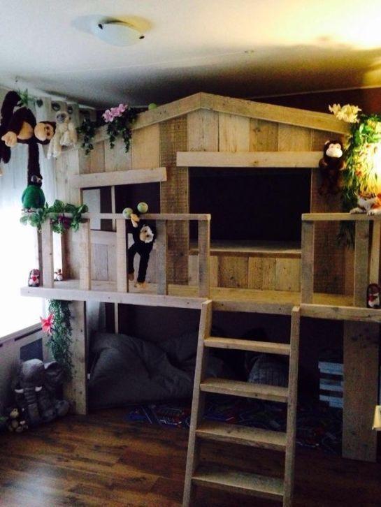 gaaf boomhutbed met balkon steigerhout boomhut hout bed: http://link.marktplaats.nl/883326837