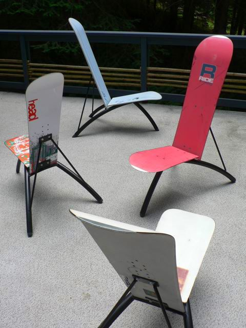 snowboard chairs - I think this is a great way of using up old snowboards to…