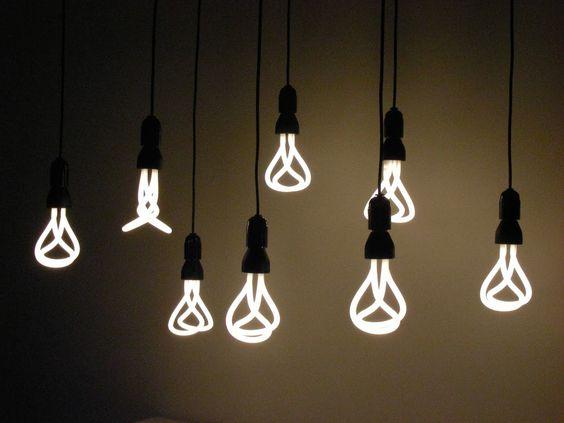 Plumen 001, el foco de diseño que ahorra energía