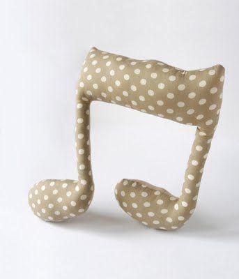 """Lisa Sanchis. Note en tissu. création originale. campagne publicitaire """"Livret A Kipouss"""". Caisse d'Epargne. février 2011."""