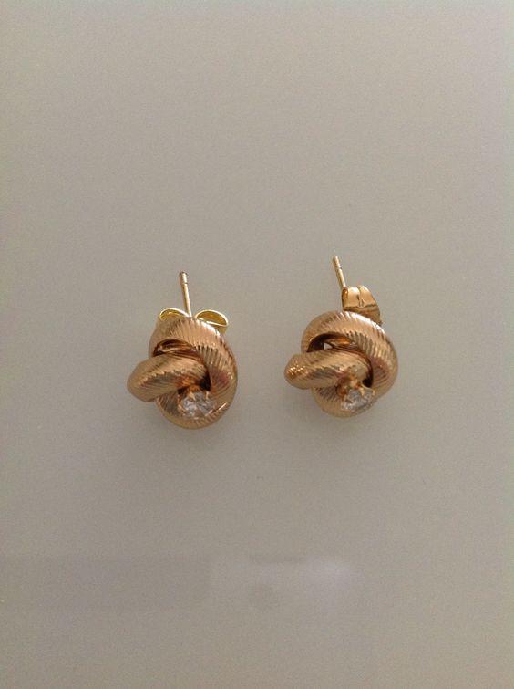 עגילים צמודים- עגילים בצבע זהב צמודים- עגילי סברובסקי צמודים- עגילים עדינים- מתנה לאישה- מתנה לחברה- מתנה ליום הולדת- תכשיטים לאישה   ❤️passion   מרמלדה מרקט