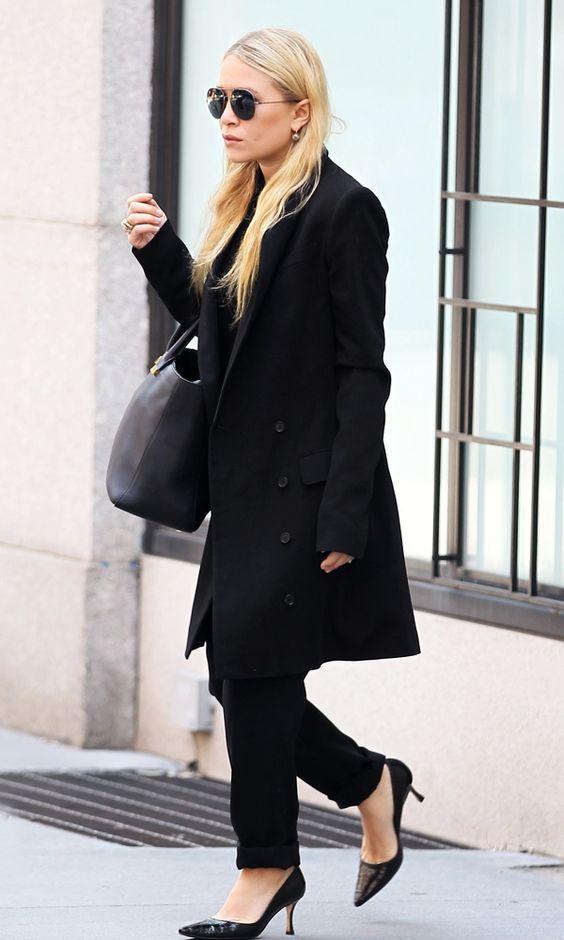 Olsens Anonymous Blog Mary Kate Olsen All Black In New York City