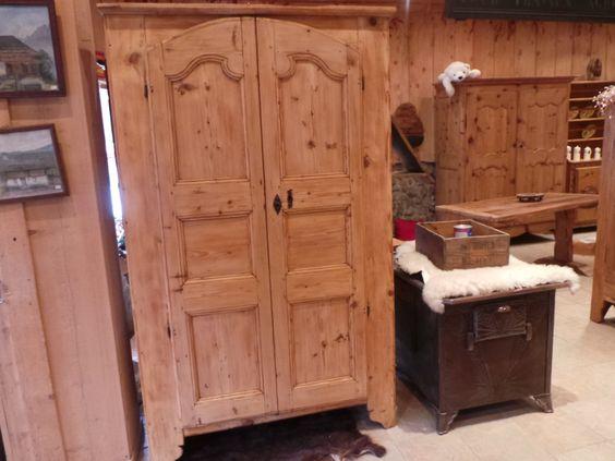 armoire ancienne de montagne art populaire savoyard brocante au vieux. Black Bedroom Furniture Sets. Home Design Ideas