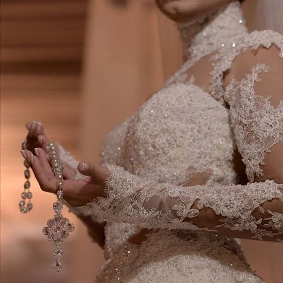 Detalhes que encaram noiva linda que vi no @bordadosecasamentos  by casandosim