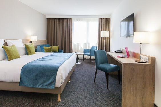 Parcourez les photos de l'hôtel et restaurant avec piscine à Bordeaux Sud | Hôtel Quality Comfort Gradignan