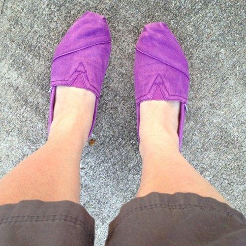Love my purple Tom's!