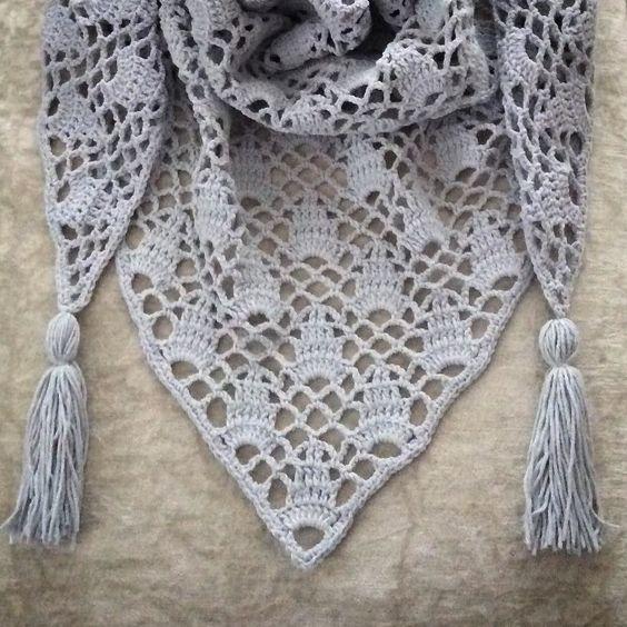 nesimerciger Good evening everyone herkese iyi akşamlar #shawl#handmadebyme #virka #vintage #madewithlove #instadaily #instacraft #knittersofinstagram #yarnaddict #ganchillo #style #birlikteörelim #häkeln #handarbeit #hobi #örgü