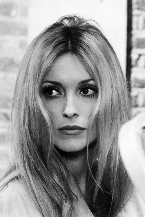 Sharon Tate behind the scenes of 12+1 (1969)