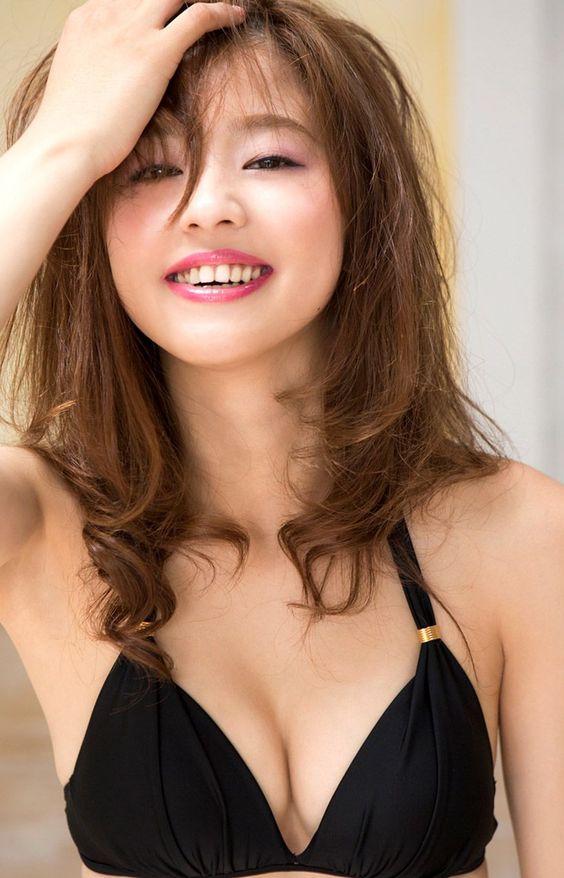 Aya Asahina / 朝比奈彩