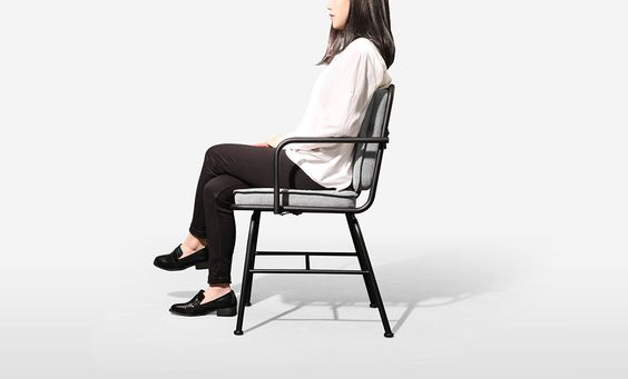 PONER mobilier métallique par Jimin Lee  #design #furniture #mobilier #chair #chaise