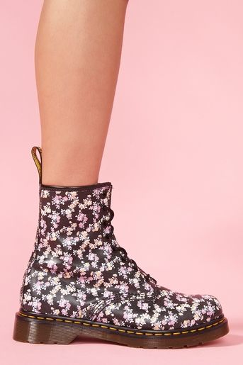 Classic 8 Eye Boot in Black Floral: School, Shoesss, Docs, Docmartens, Floral Pattern