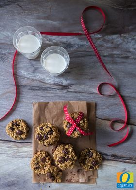 Cookies made with quinoa? That just might be crazy enough to work! You must try this Chewy Chocolate Chip Cookie recipe featuring O Organics® quinoa.