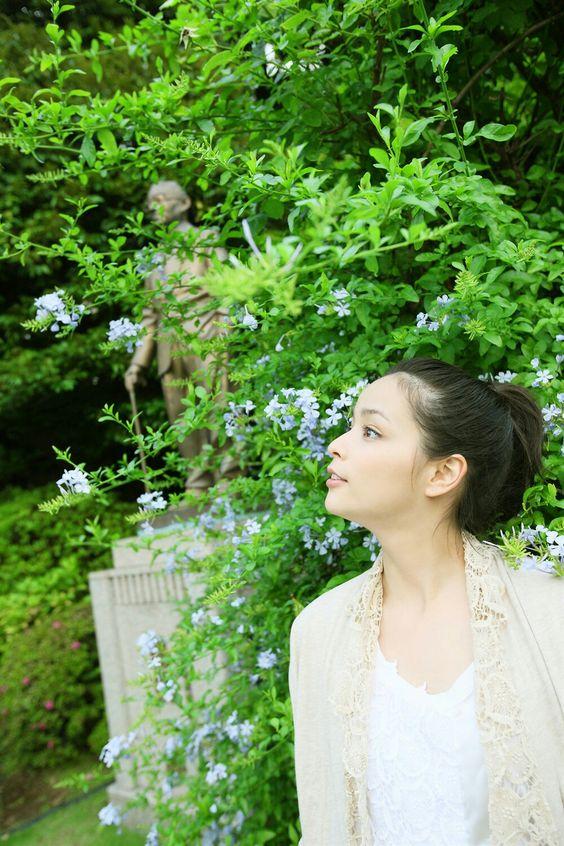 横顔が綺麗な加藤ローサ