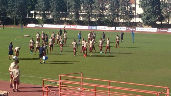 LIVE! Lallenamento del Torino alla Sisport https://t.co/Ynlfl3lDkB Redazione Toro News https://t.co/jqOFtcZrVd