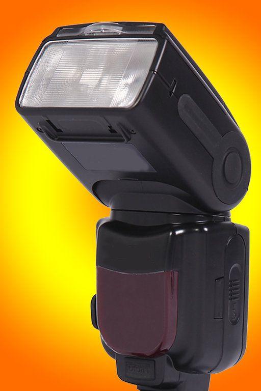 """Workshop """"kreative Blitzlichtfotografie""""  In diesem Workshop lernen Sie:  - Blitzen in den verschiedenen Einstellungsmodis der Kamera - dramatische Lichtspiele erzeugen - Lichtkegel erzeugen mit nur einem Blitz - sonnige Bilder mit einfachen Hilfsmitteln erstellen - Bewegung als Gestaltungsmittel"""