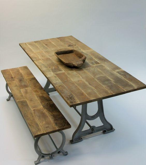 Vintage spisebord i landstil   rustikt spisebord i unikt design ...