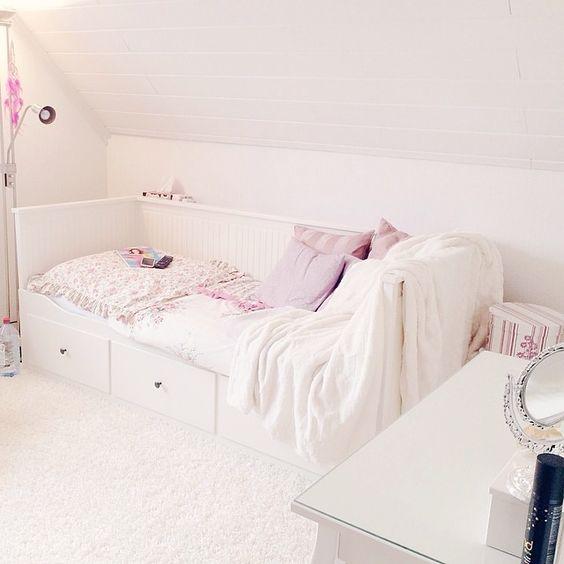 D A Y B E D // Ikea Hemnes // #white #guests