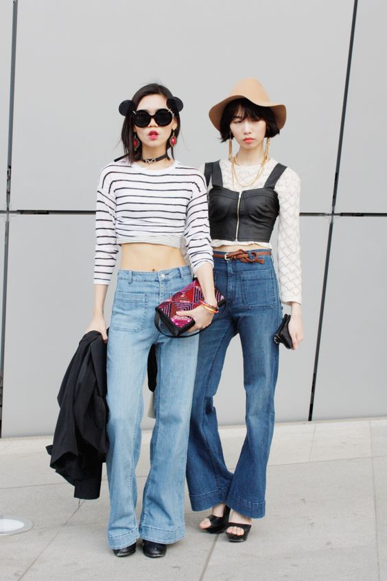 70s Flared Denim at Seoul Fashion Week! THE WHITEPEPPER Street Style photography by Daisy Yun www.thewhitepepper.com/blogs/street-snaps