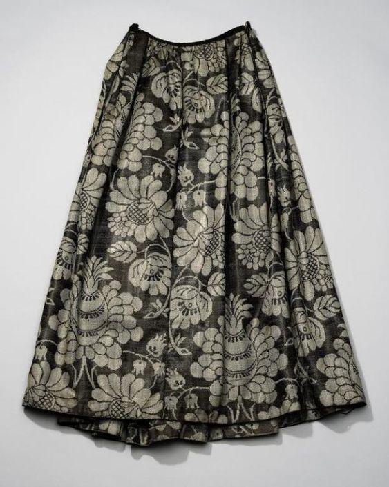 Rok van achttiende-eeuwse wollen damast, Noord-Holland | Modemuze