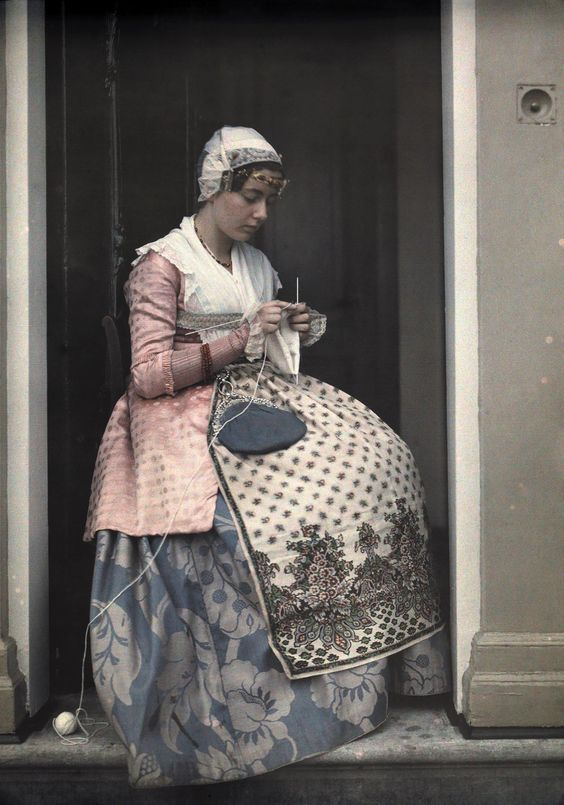 These Beautiful Antique Photos Were Made With Potato Starch: