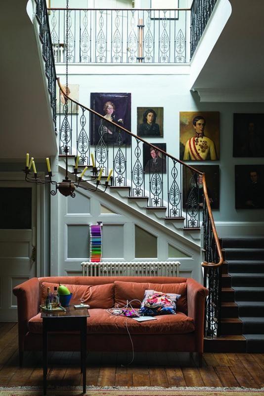 Cómo decorar y aprovechar el espacio de las escaleras interiores ...