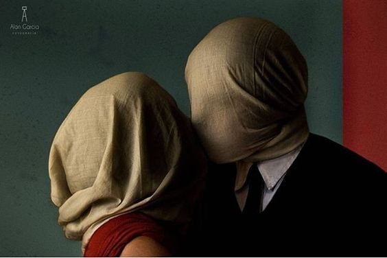 """Recreación artística de """"Los amantes"""" de René Magritte. Fotografía de Alan García - - @alan_garcia.24 - - #losamantes #Magritte #fotografia #photography #art #arte #cultura #CulturaColectiva"""