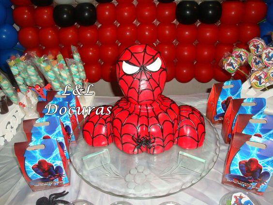 Bolo Esculpido Homem Aranha