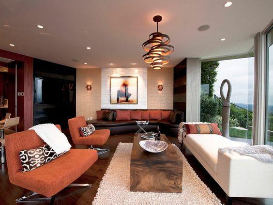 wohnideen wohnzimmer orange möbel rustikaler couchtisch einbauleuchten