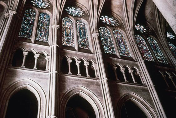 GOTHIC ARCHITECTURE Chartres Cathedral 1145 1120