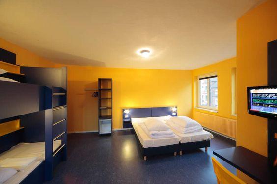 Beispiel: 4-Bett Zimmer mit Gemeinschaftsbad im Bed'nBudget Hostel Hannover  Hildesheimer Straße 380  30519 Hannover  Tel.: 0511 / 12 611 504    Fax: 0511 / 12 611 511    E-Mail: reservation@bednbudget.de  www.bednbudget.de