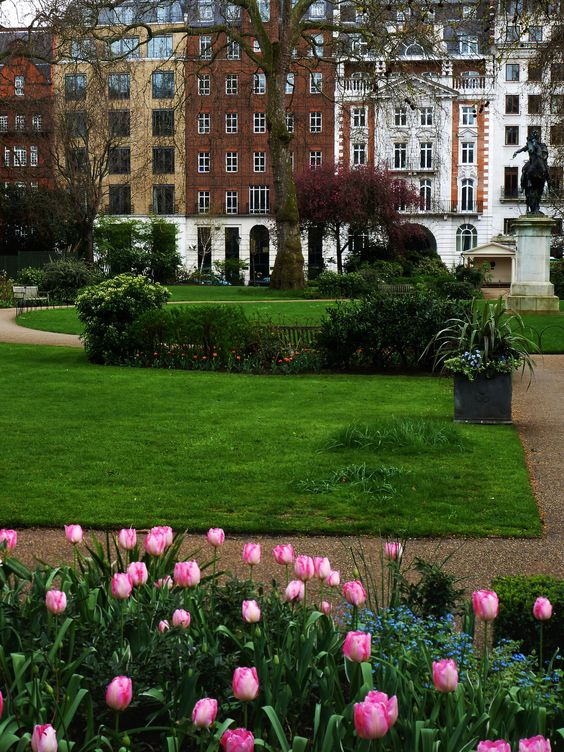 St James's Square in London, May.   http://enchantedengland.tumblr.com/image/55219334245