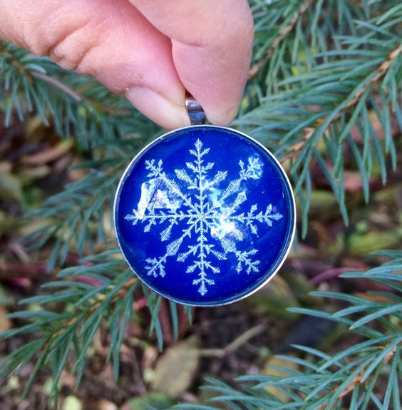 Stainless steel pendant Star necklace Snowflake glass by IceWorks