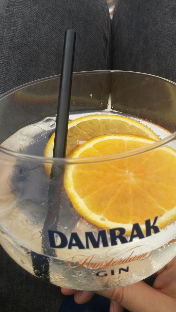 Easy Gin Tonic @Amsterdam tijdens rondvaart in de grachten. Onthouden voor thuis!