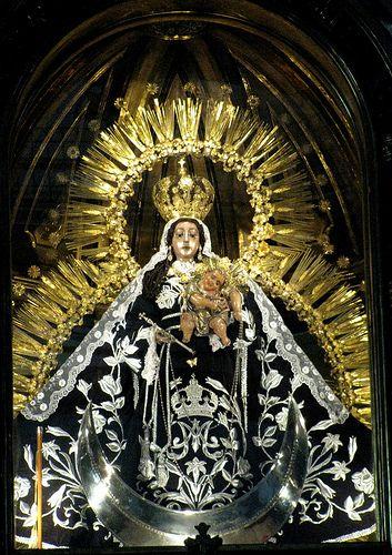 Nuestra Señora del Santísimo Rosario, templo de Santo Domingo, Guatemala.