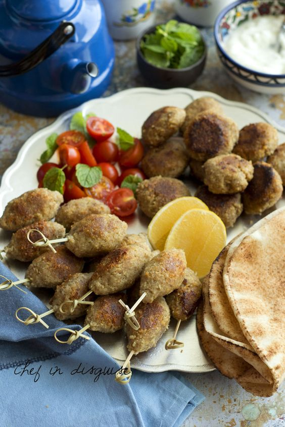 The beginning of the month means that it is time for our monthly traditional Arabic flavor recipe. For this month our host chose a recipe that is traditionally prepared in the olive picking season....